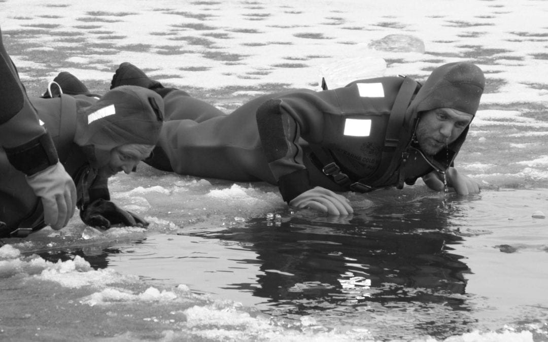 Dynamic Characteristics to a Surface Ice Rescue Operation